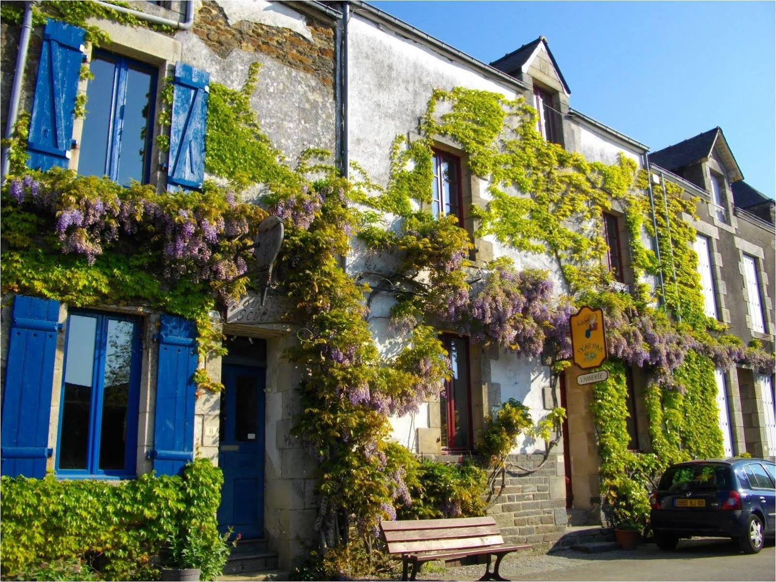 Lojas Virtuais Artesanato ~ Casinha colorida Se me chamar, eu vou Rochefort en Terre, França