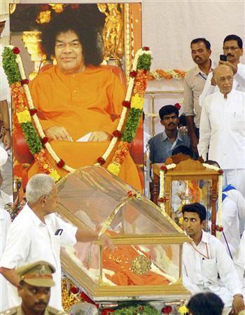 Devotees mourn Sathya Sai Baba's death
