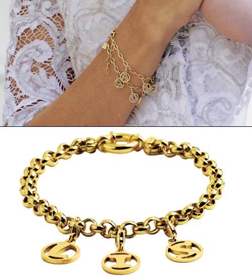 pertenecientes a colecciones determinadas de Tous, como por ejemplo estos pendientes modelo Ópalo que están compuestos por una gema rosa y oro amarillo.