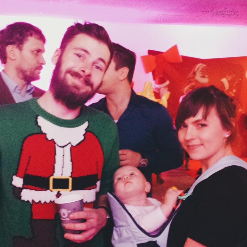 Blogowigilia 2014, Warszawa, Stadion Narodowy, kobieta, mezczyzna, dziecko, usmiech, radosc, portret, kiczowaty sweter