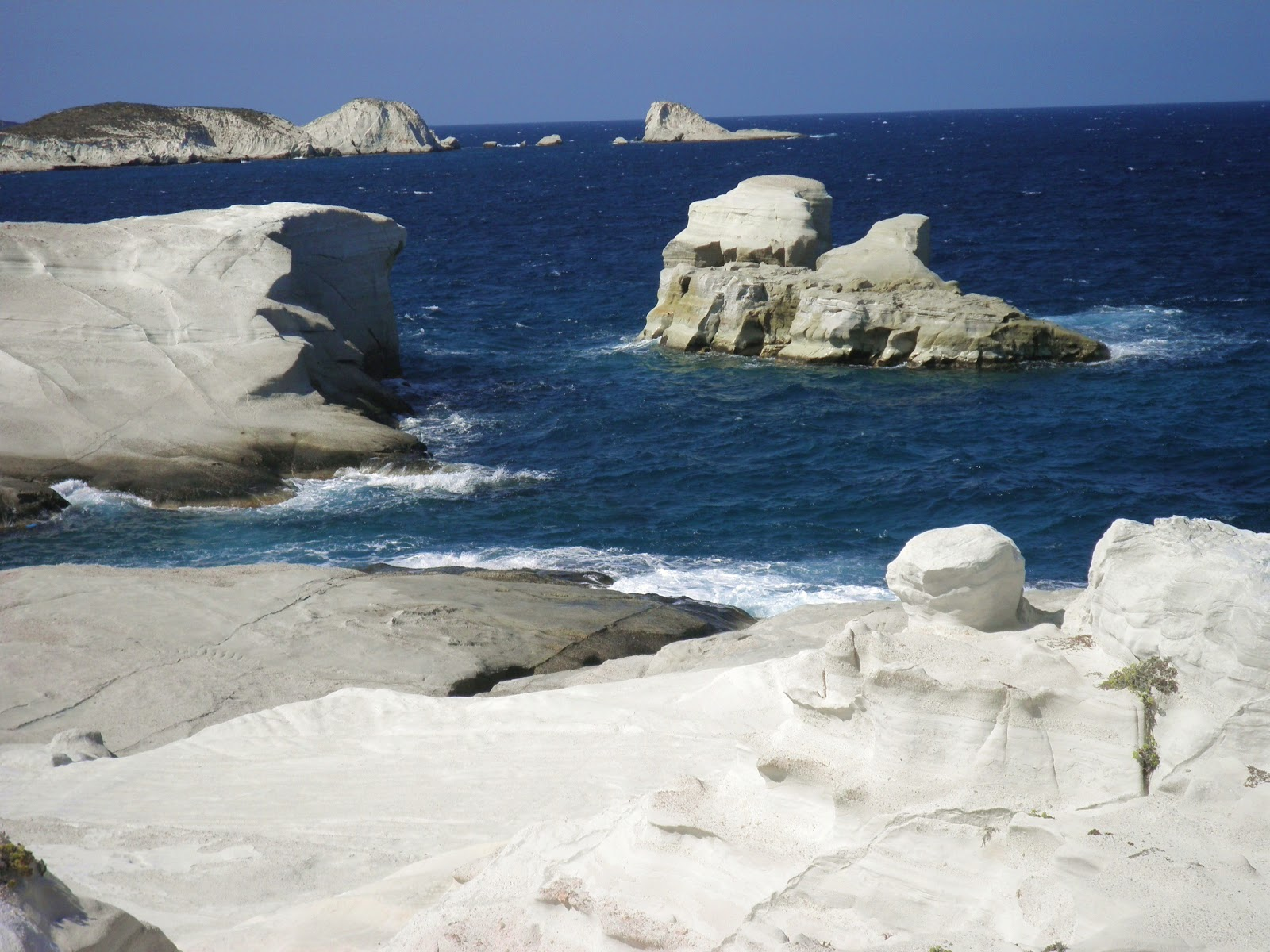 Travel in the nature: Beaches of Milos and Kimolos