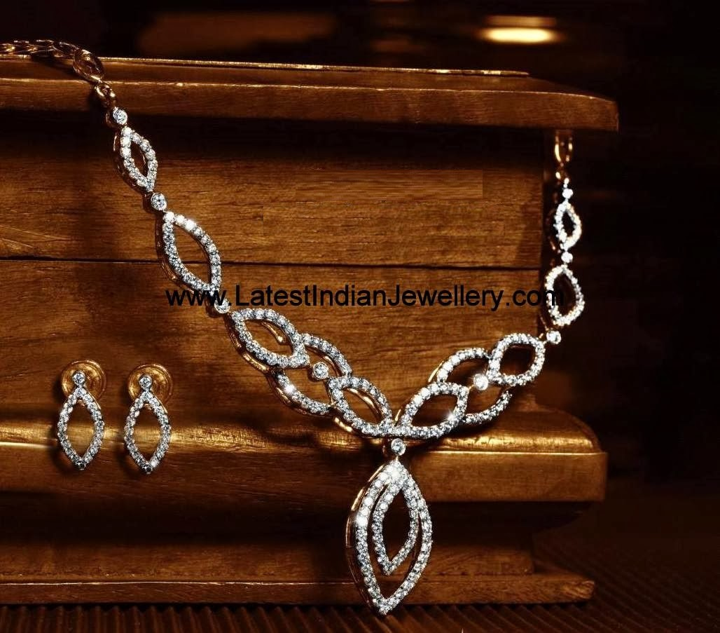 Simple Diamond Necklace Set