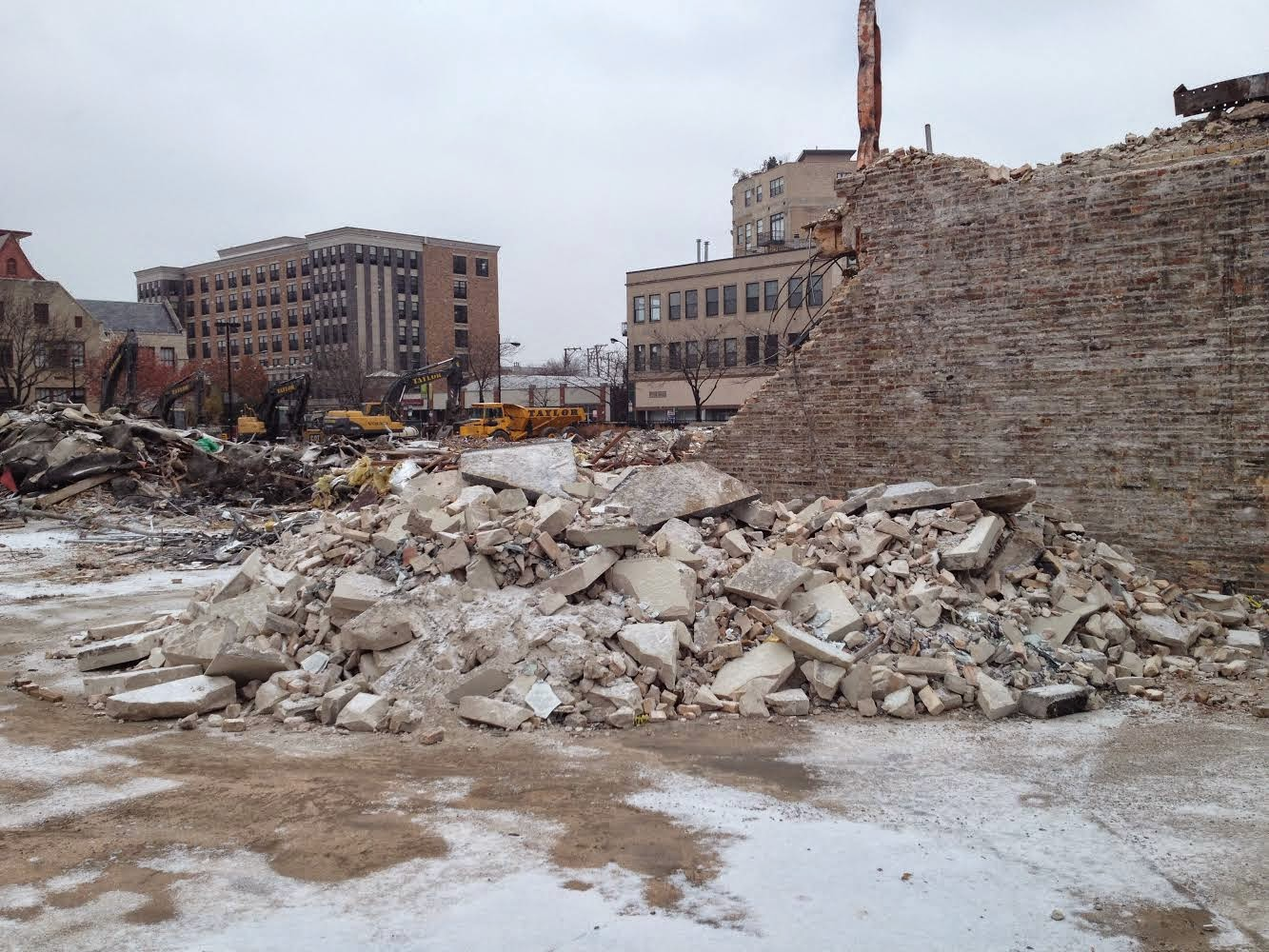 Lincoln/Belmont/Ashland rubble in Chicago West Lakeview neighborhood