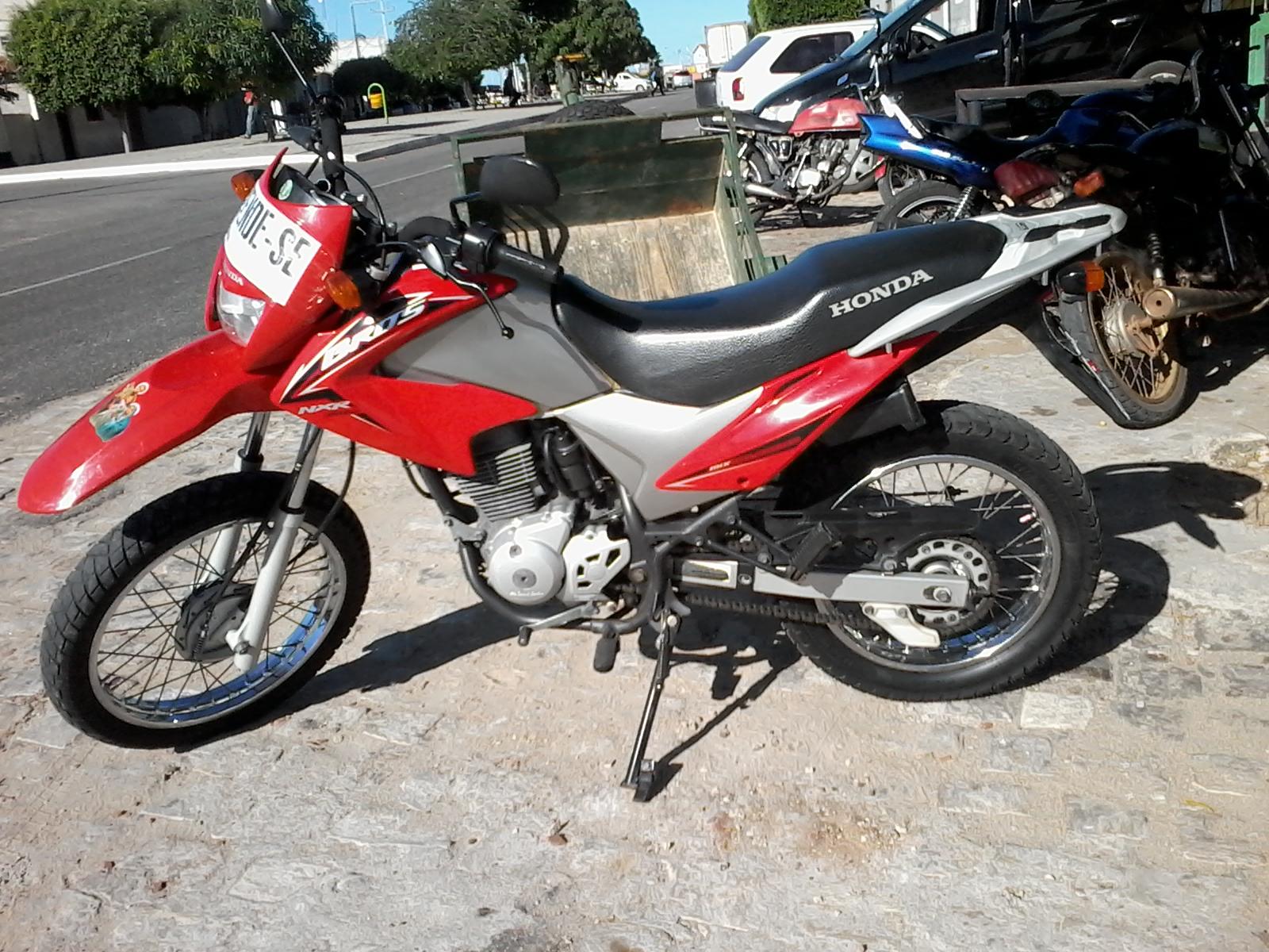 Alto do Rodrigues - Vende-se Moto Honda Bros Ano 2010 Contato (084) 99966 8058 ou 99985 2715