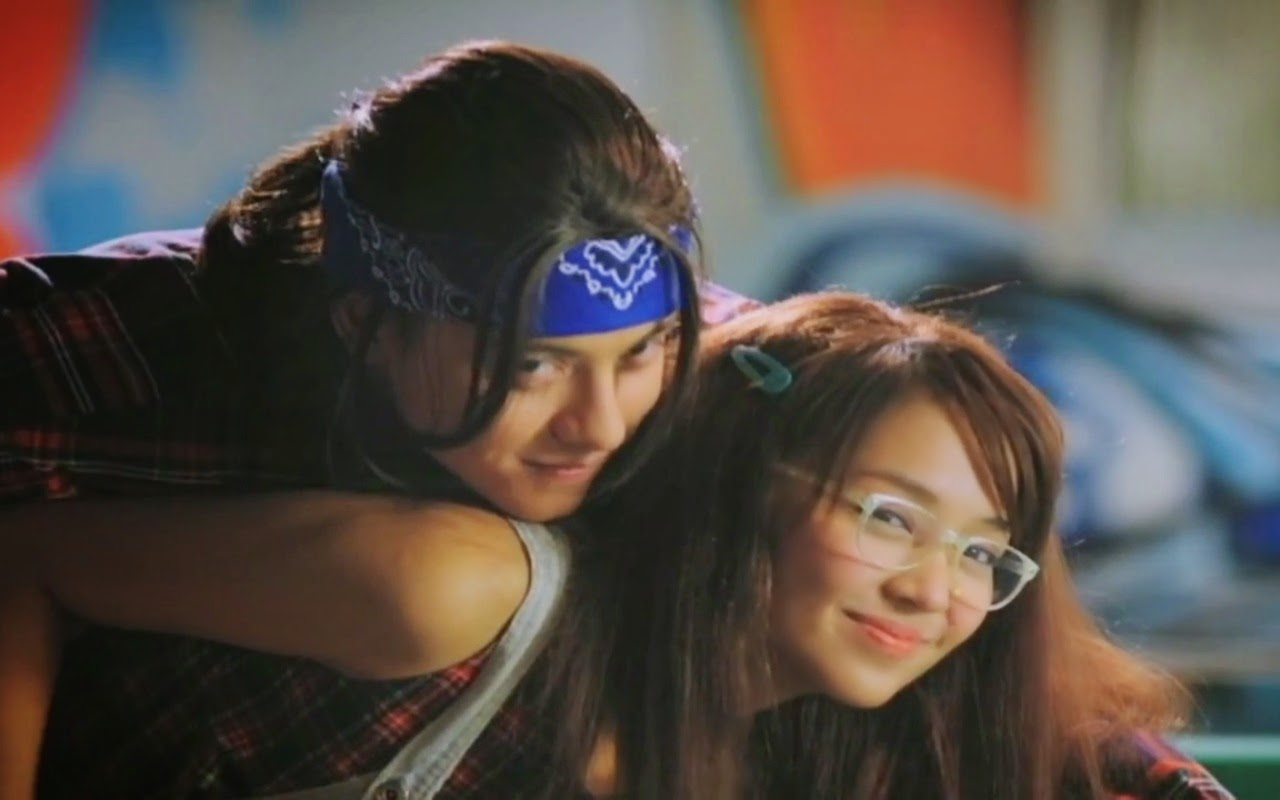 Shes dating the gangster trailer songs
