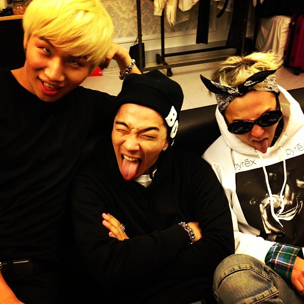 Big Bang Selca Pose Lucu 02