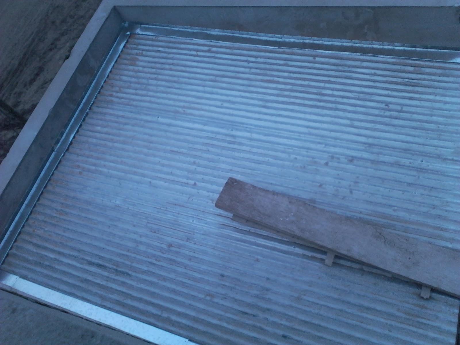 Babetas y detalles en el techo for Casetas de chapa galvanizada
