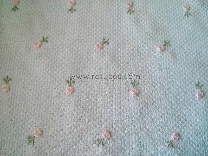 http://www.ratucos.com/es/telas/3279-pique-bordado-rosa-41-metro.html