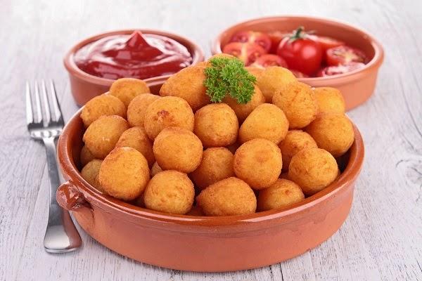 طريقة عمل كرات البطاطس المقلية