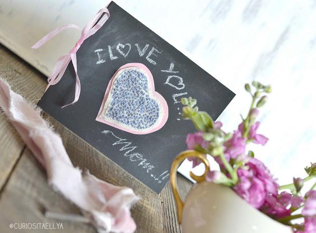 curiositaellya how to make mother 39 s day chalk board card diy. Black Bedroom Furniture Sets. Home Design Ideas