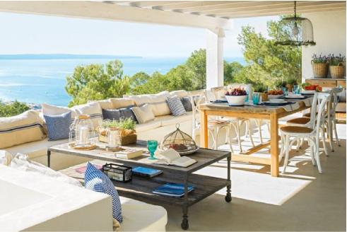 Un bellissimo portico in stile mediterraneo blog di for Case ibiza agosto