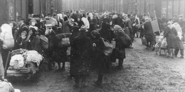 В родном селе на Закарпатье простились с бойцом Александром Шимоном: присутствующие встали на колени - Цензор.НЕТ 8725