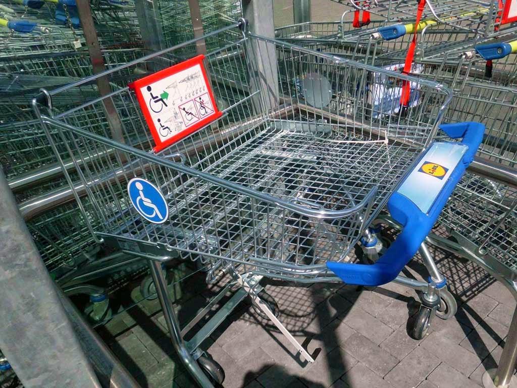 Neu bei Lidl: Rollstuhlgerechte Einkaufswagen