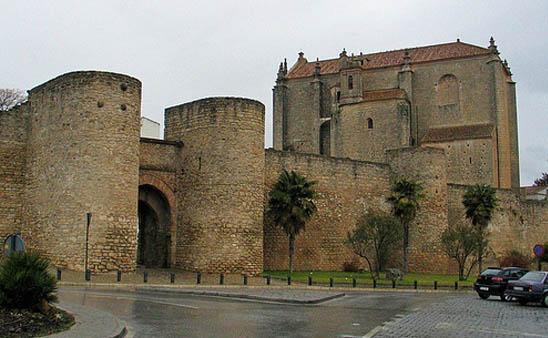 Puertas y Murallas Islámicas de Ronda viajes y turismo