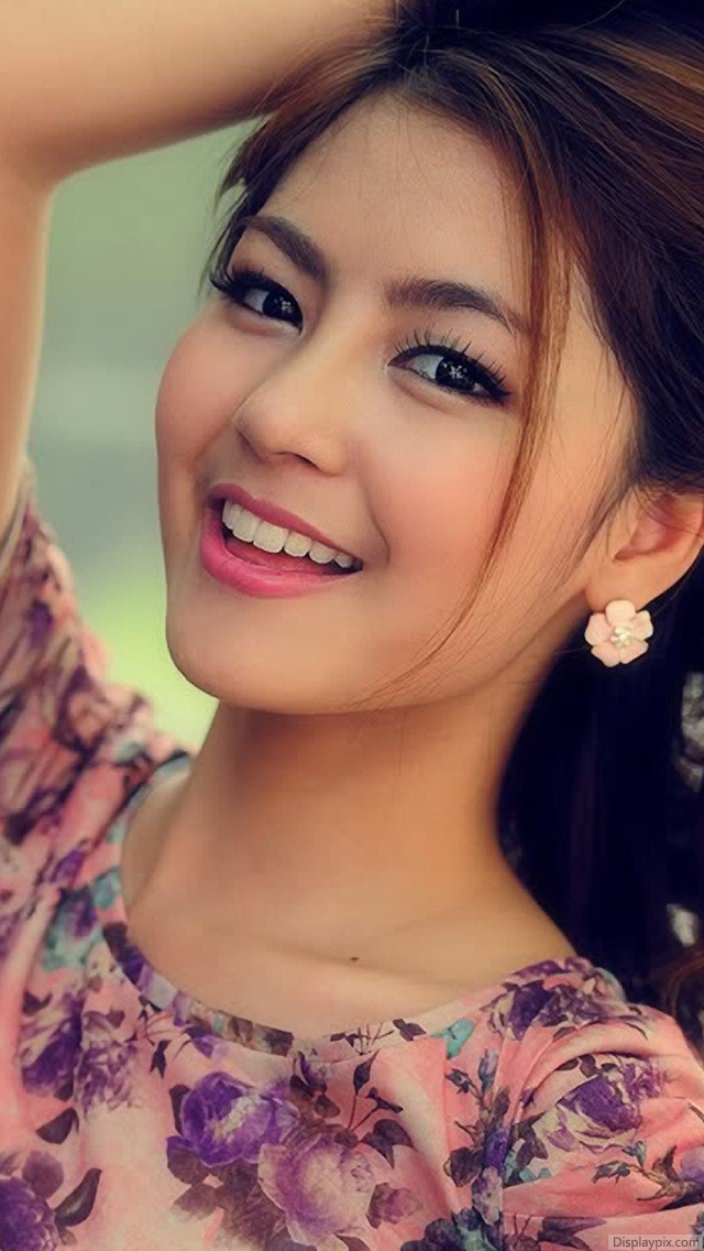 Cute Stylish Girls Profile Pictures - Top Profile Pictures - Display Pictures