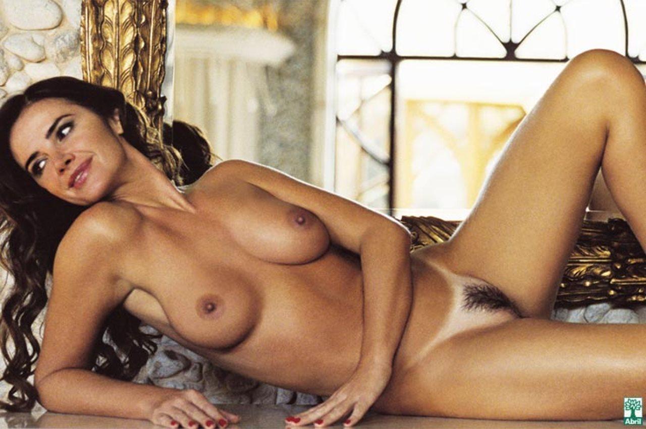 Suas Lindas Curvas Na Revista Playboy Em Uma Edi O Hist Rica