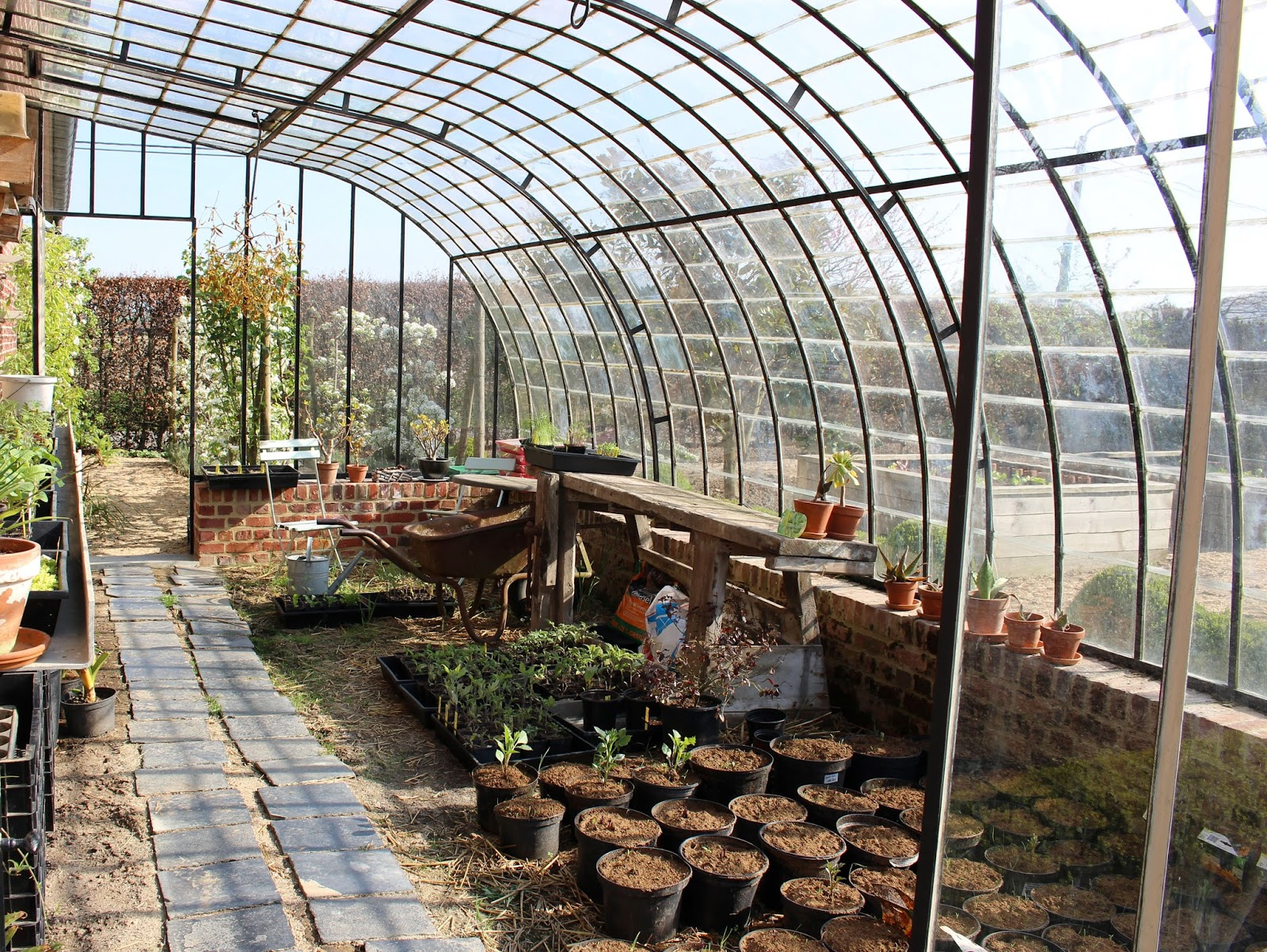 Xx garden le domaine ooievaar bellegem for Serre de jardin en fer forge