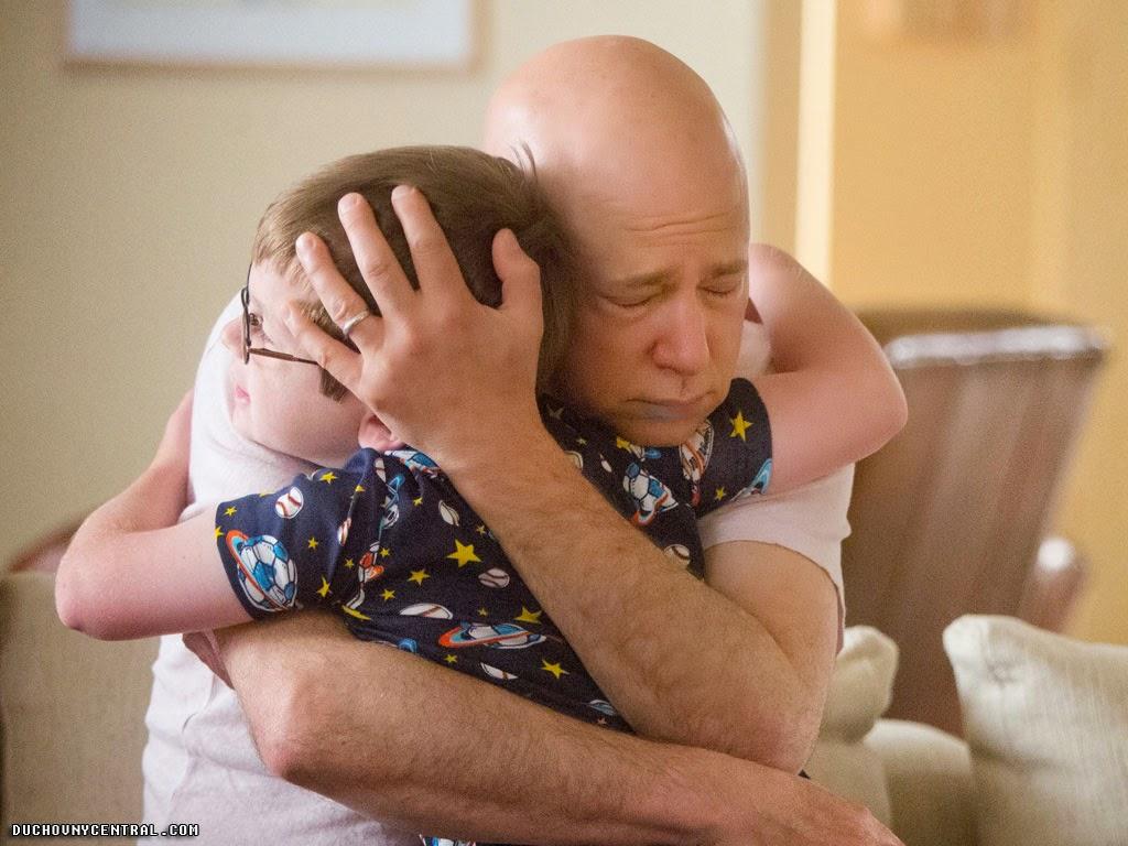 Evan Handler as Charlie Runkle and Candem Grey as Little Stu Californication 7x07