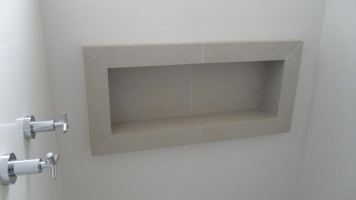 Porcelanato muito além de um simples piso!  Comprando Meu Apê  Comprando M -> Nicho Em Banheiro Como Fazer