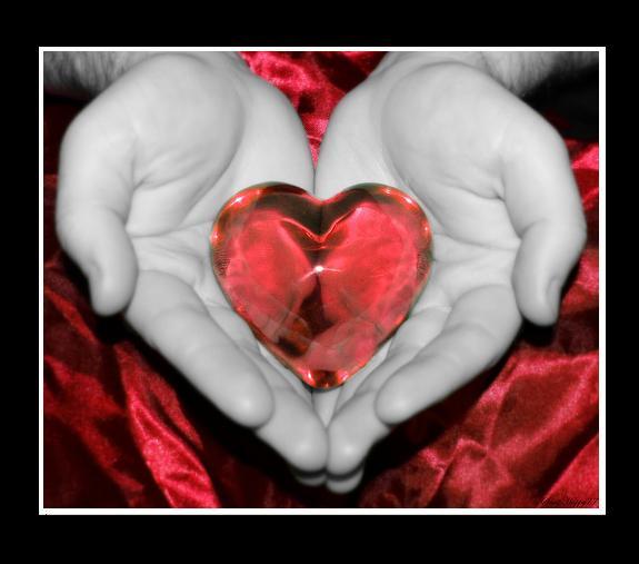 Elini kalbine koy