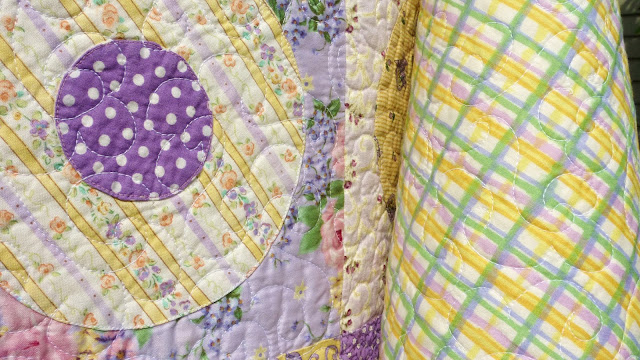 Busy Bee No 16 A Contemporary Baby Quilt Double Circles