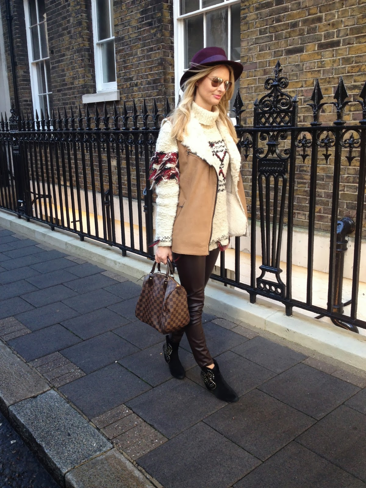 chrissabella, blogger, fashion blogger chrissabella