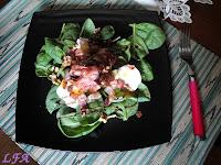Ensalada de espinacas y bacon con chorrito de miel