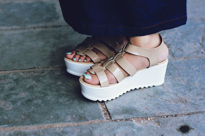 flat sandals, platforms, flatforms