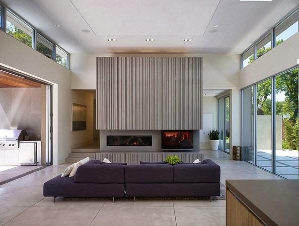 diseo de chimenea moderna en casa con piscina