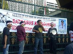 "Satgasus Kejagung RI DIDESAK ""TANGKAP"" BUPATI TEBO SUKANDAR"