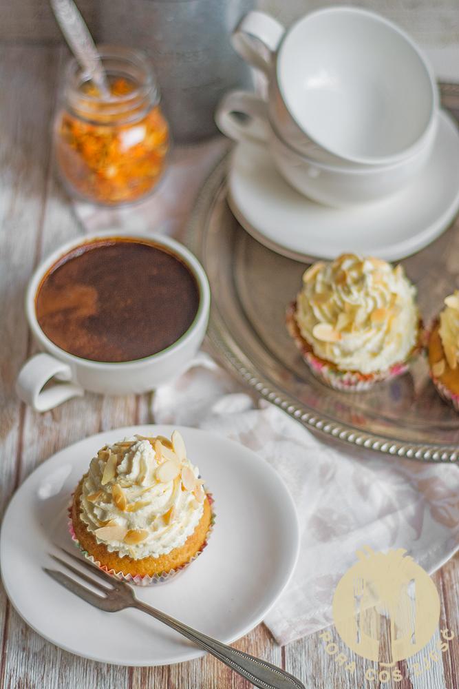 Cupcakes pomarańczowo-migdałowe z amaretto