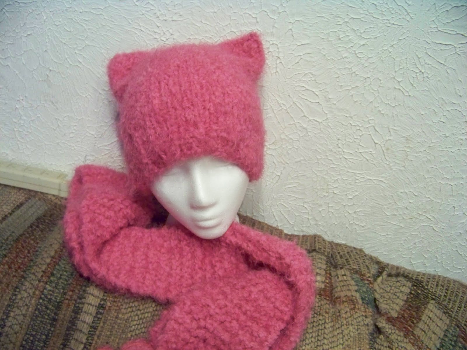 Knitting Pattern For Kitty Hat : If youre not knitting, the terrorists win: Free Pattern ...