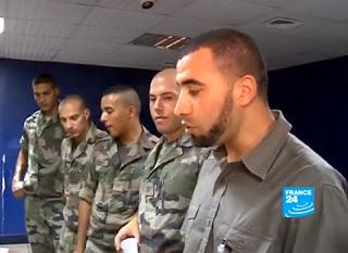 http://2.bp.blogspot.com/-PHCqwd3bfsk/UBRP4DqNzPI/AAAAAAAAE0I/bCwaOp_JTnU/s320/musulmans+arm%C3%A9e+fran%C3%A7aise+koweit.jpg