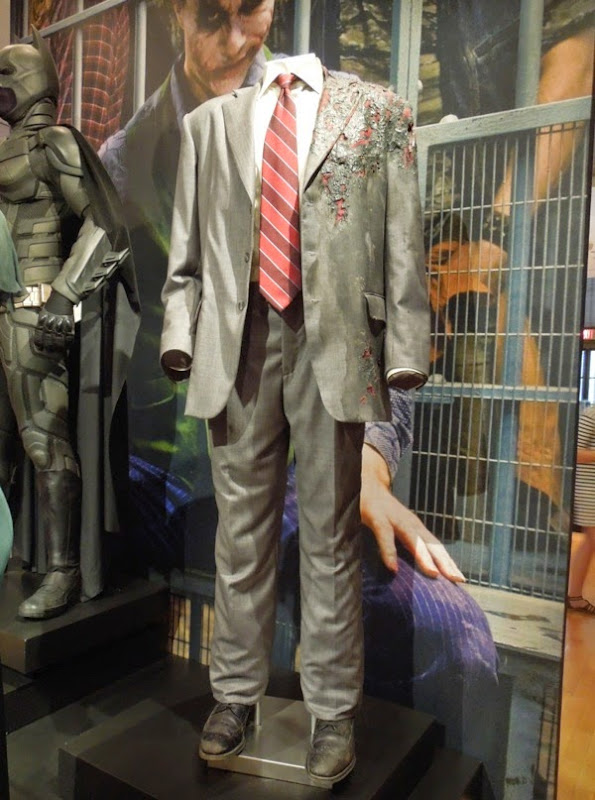 Aaron Eckhart Two-Face suit costume Dark Knight
