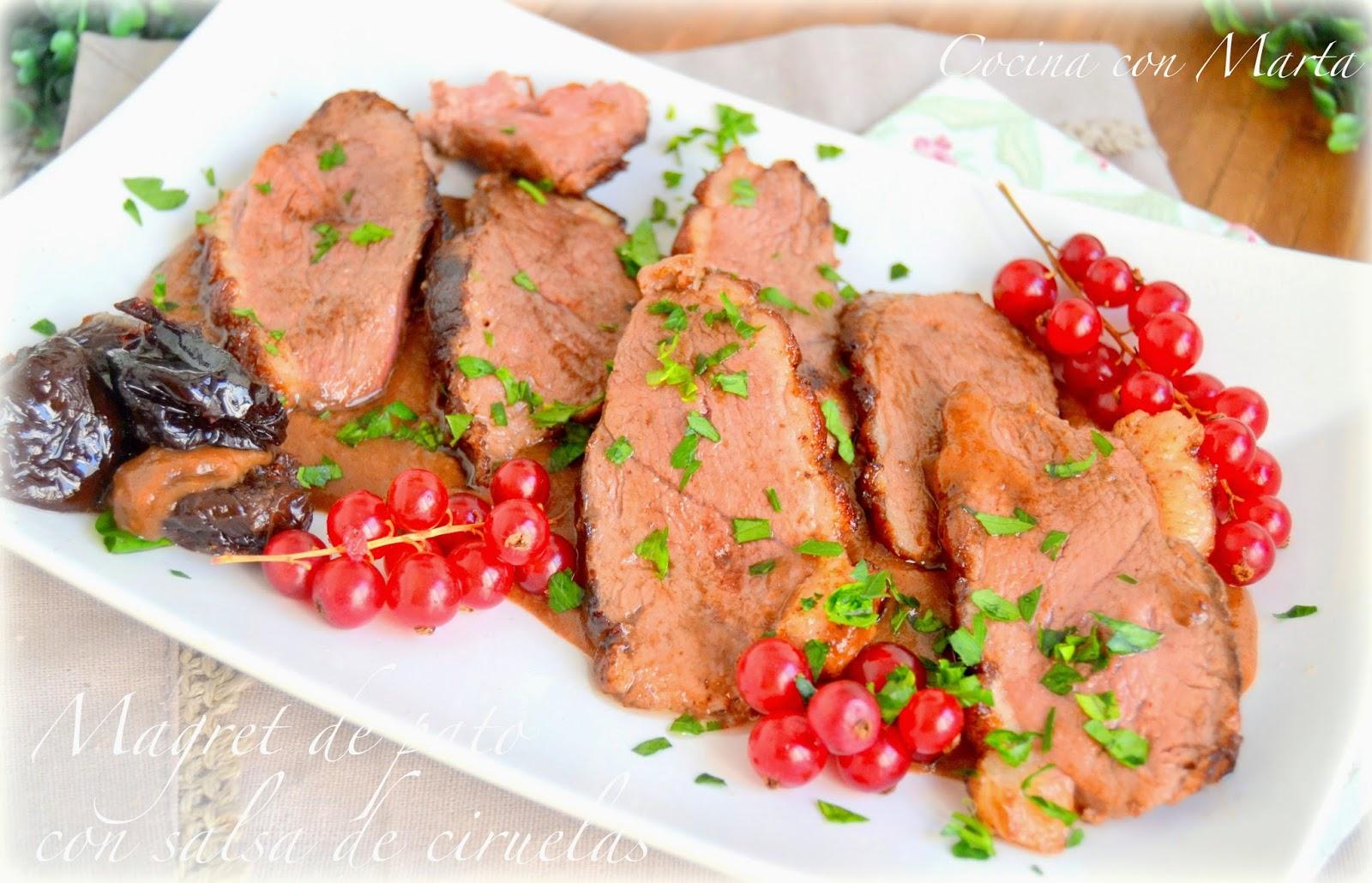 Magret de pato con salsa de ciruelas. Receta casera, fácil, rápida. Especial navidad y celebraciones.