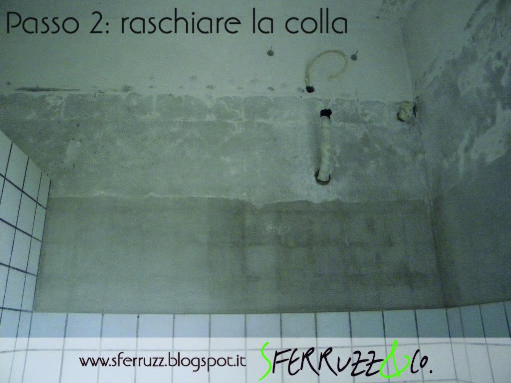 Sferruzz co t g house il bagno blu makeover parte 1 togliere le piastrelle e tinteggiare - Togliere colla piastrelle ...