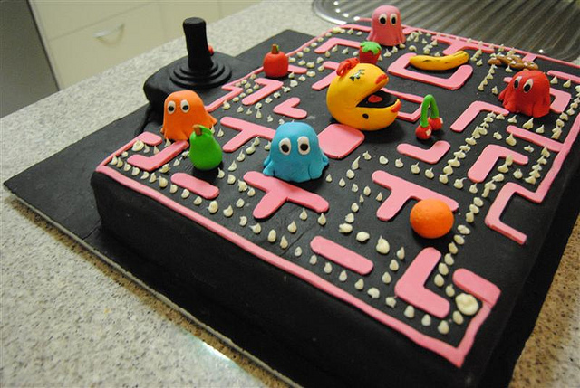 21 Spectacular Amp Super Cool Geeky Birthday Cakes Dashing Hub
