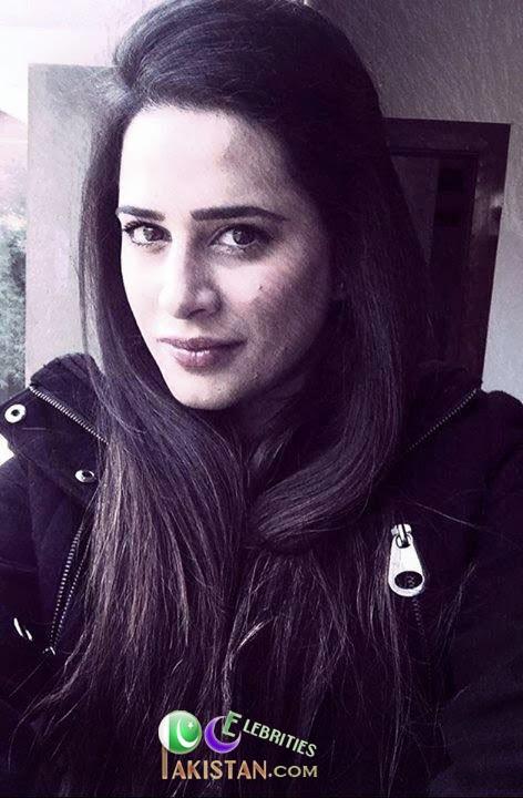 Mehreen Raheel Takes it As Bollywood