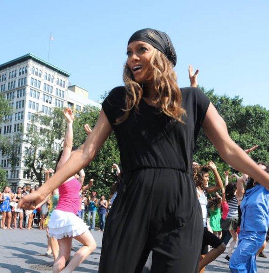Tyra Banks Professor: Celebridades ≀: Abril 2012