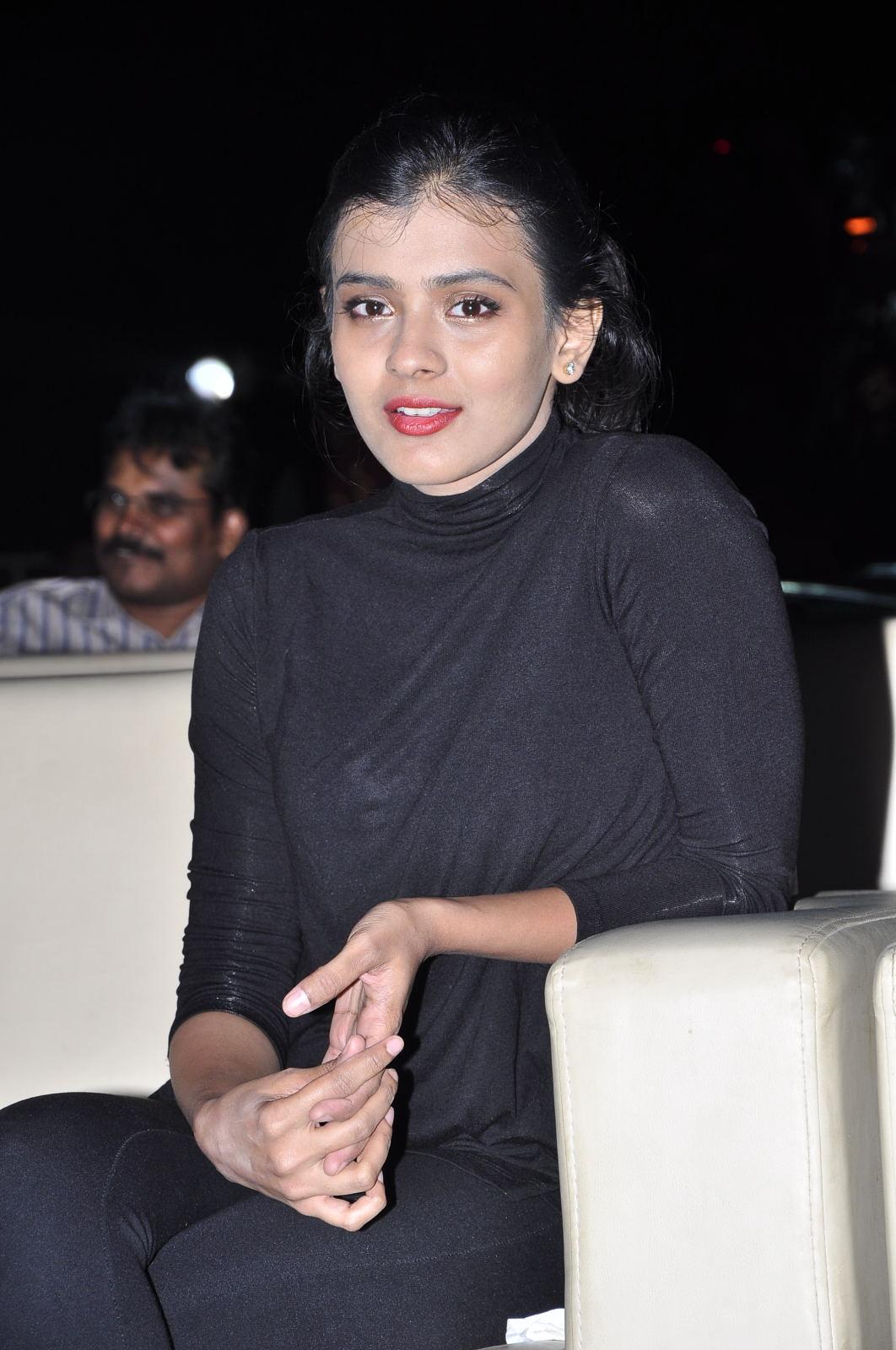 Hebah Patel at Kumari 21f platinum disk event-HQ-Photo-14