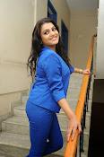 Tashu Kaushik Latest Glamorous Photos-thumbnail-16