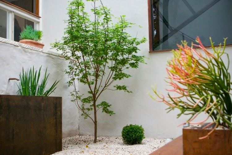 Modern Garden Design Examples 9