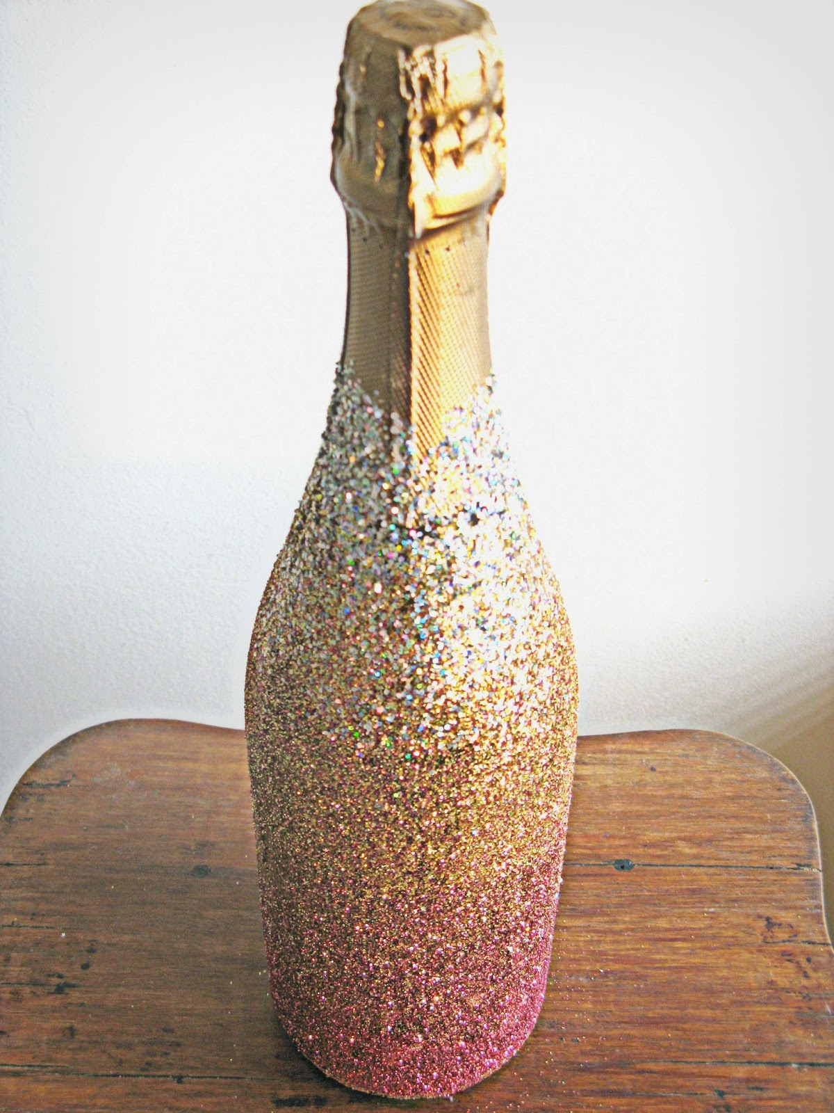 hunted and made diy ombre glitter champagne bottle how