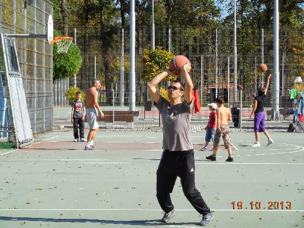 Basket in aer liber