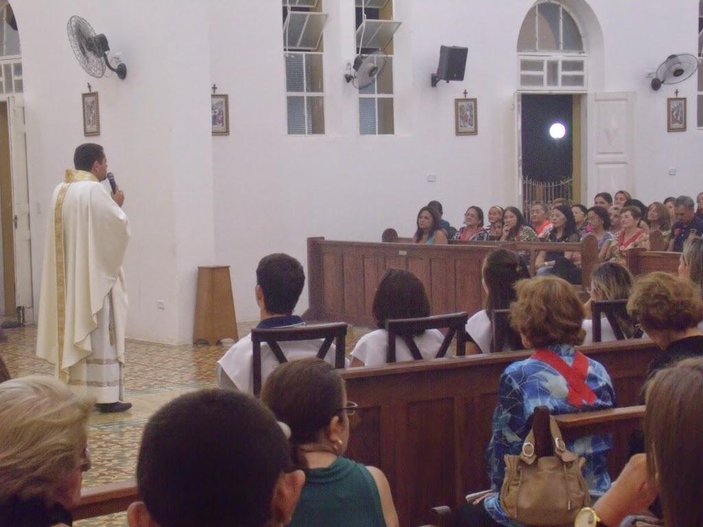 Imagens da Santa Missa da Páscoa do Senhor em Almino Afonso