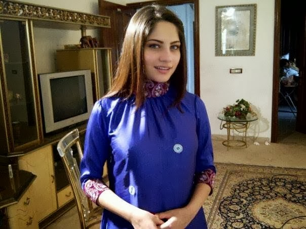 Neelum+Munir+Beautiful+Latest+Pictures+2013005