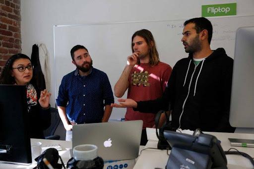 (圖說:舊金山的技術團隊與 Customer Success 團隊,舊金山的技術團隊負責客戶支援, 與資料科學技術的改良,產品則都是台灣團隊打造的。原作者提供)