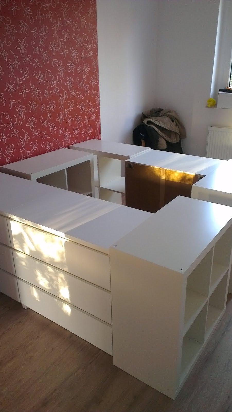 Half a loft bed get home decorating - Podestbett ikea ...