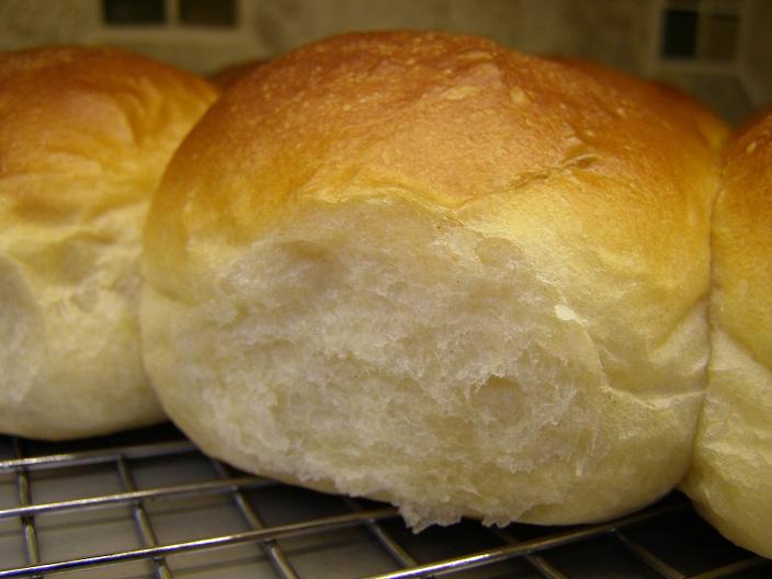Hanaâ's Kitchen: ABC - Buttery Pull-Apart Dinner Rolls