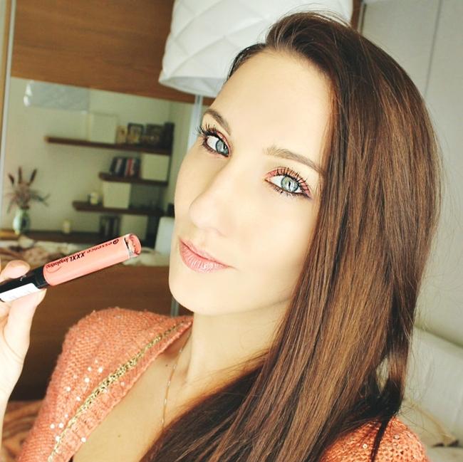 "Instagram @lelazivanovic.Essence ""XXXL"" lipgloss in Coral Delight. Essence sjaj za usne."